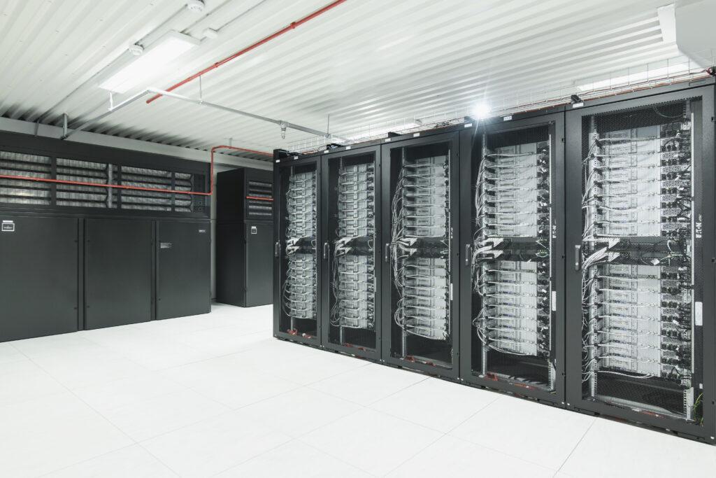 Duomenų centro serverių spintos