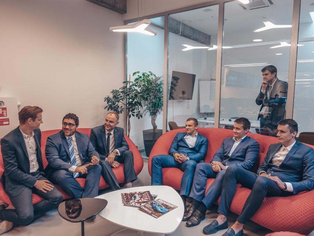 Interneto vizijos vyrukai per Suit-Up dieną
